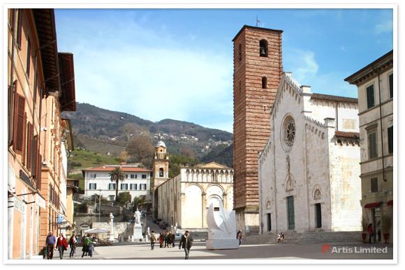 artis-piazza-del-duomo-pietrasanta