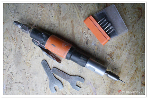 Pneumatic die grinder with carbide burrs shank by Artis Limited