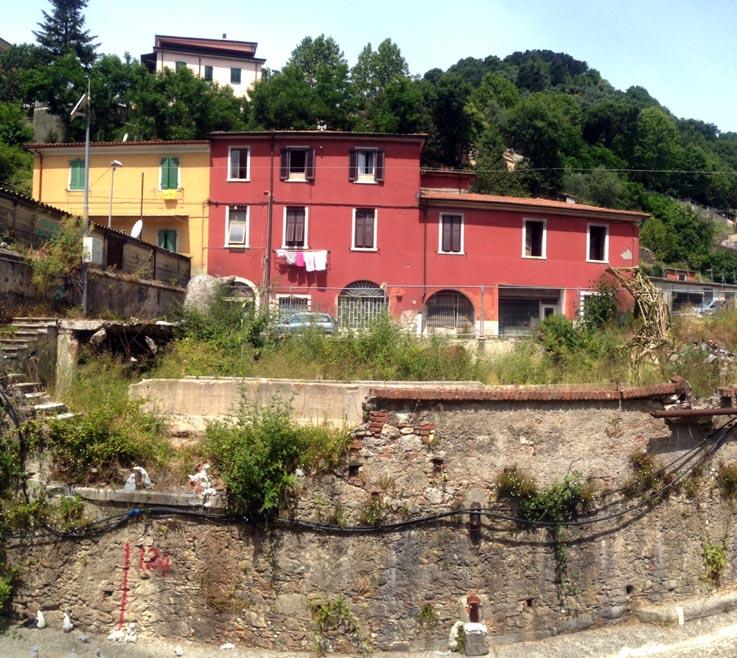 Carrara-Marble-Weeks-2013-Rat-Attack