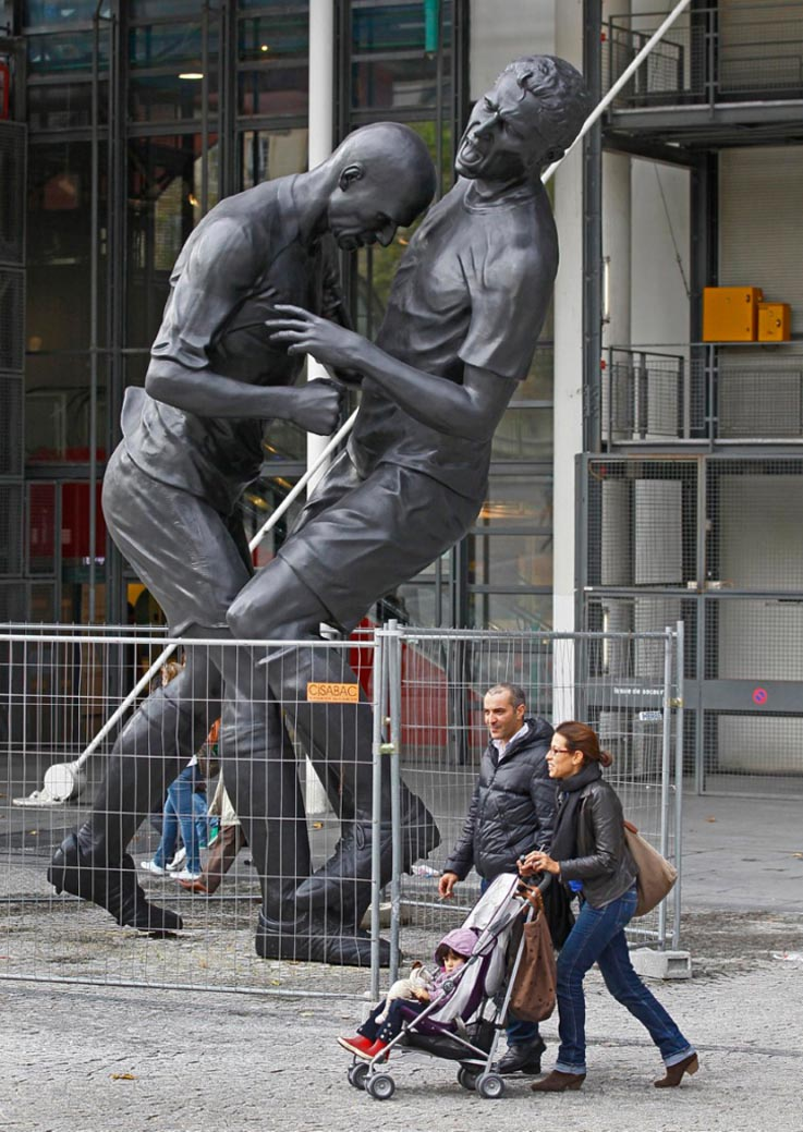 zidane-headbutt-bronze-sculpture