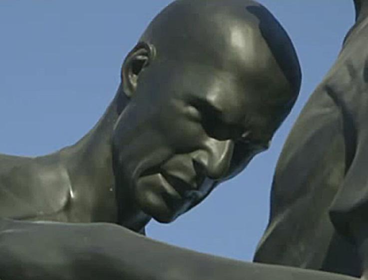 Zidane-Headbutt-Sculpture-Qatar-Controversy