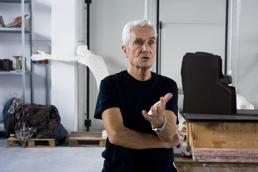 Giuliano-Vangi-Pietrasanta-Scultura-Francesco-Tommasi