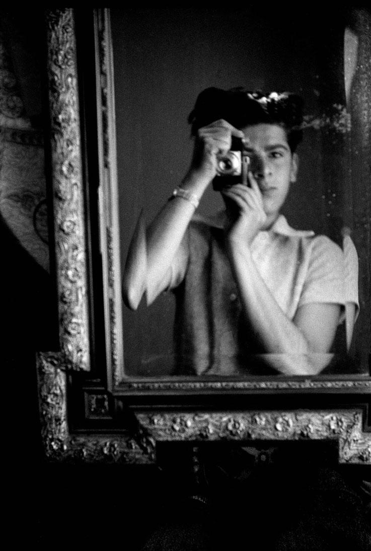 Horvat-Seravezza-Fotografia-self-portrait-1945
