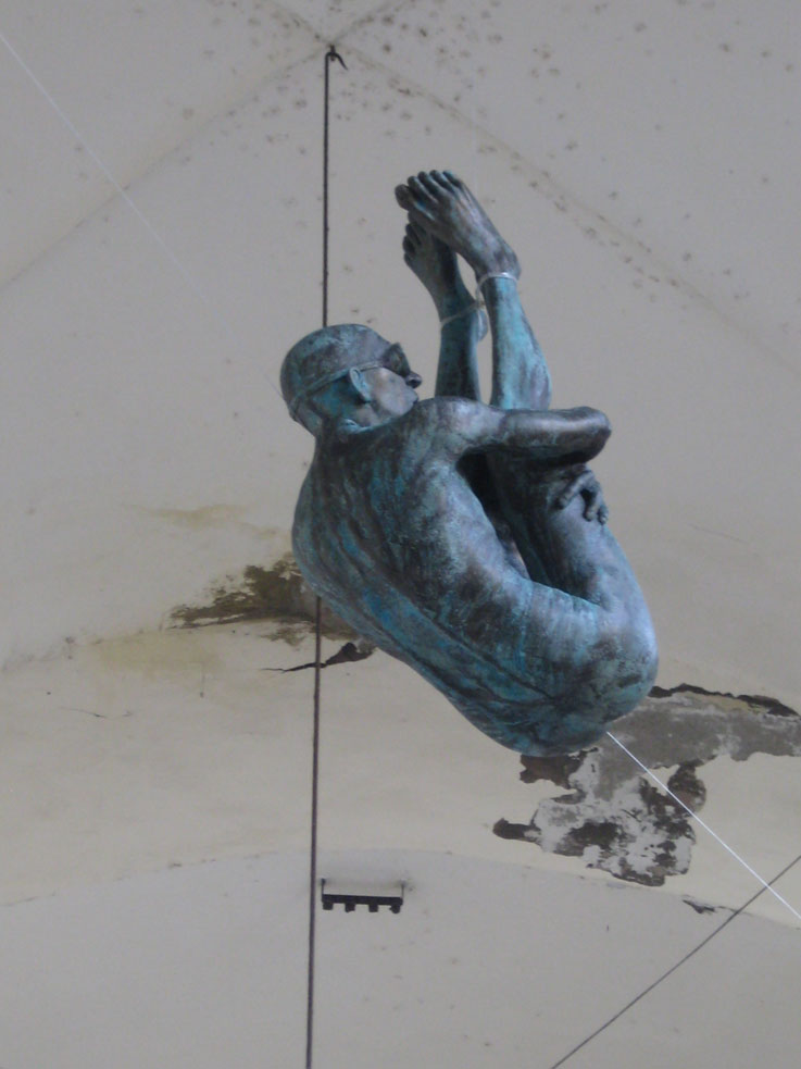 Favoloso Emanuele Giannelli exhibits his fantastic figurative sculptures at  MD16