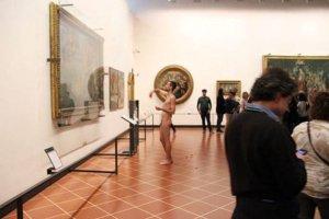 Nudo-davanti-Venere-di-Botticelli-Uffizi