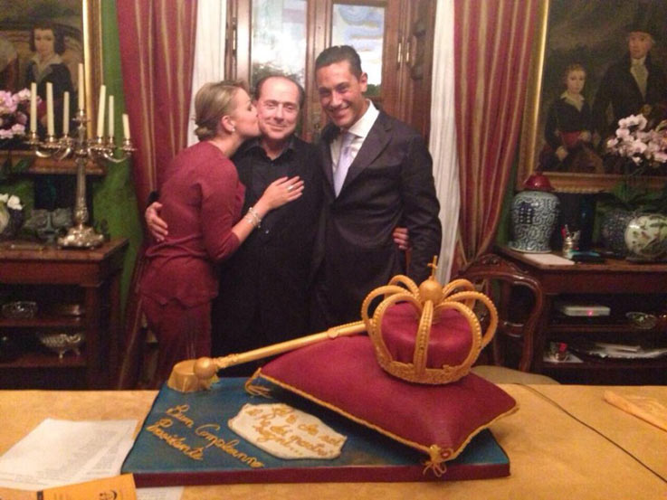 Repubblica-Berlusconi-Birthday-Cake-2014